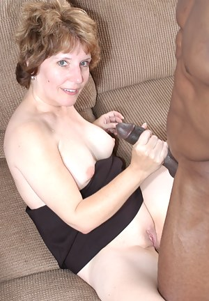 Free Moms Interracial Porn Pictures