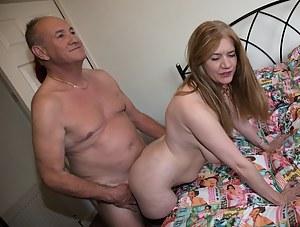 Free Moms Doggystyle Porn Pictures
