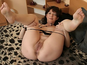 Free Moms Foot Fetish Porn Pictures