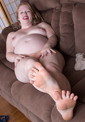 Free Pregnant Moms Porn Pictures
